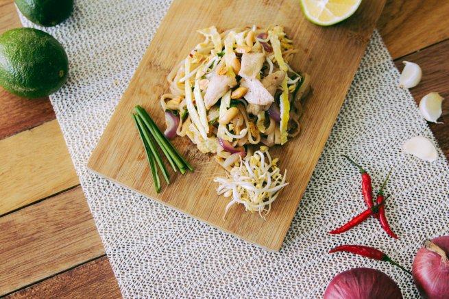 un-plato-vegetal-acompanado-de-brotes-de-soja