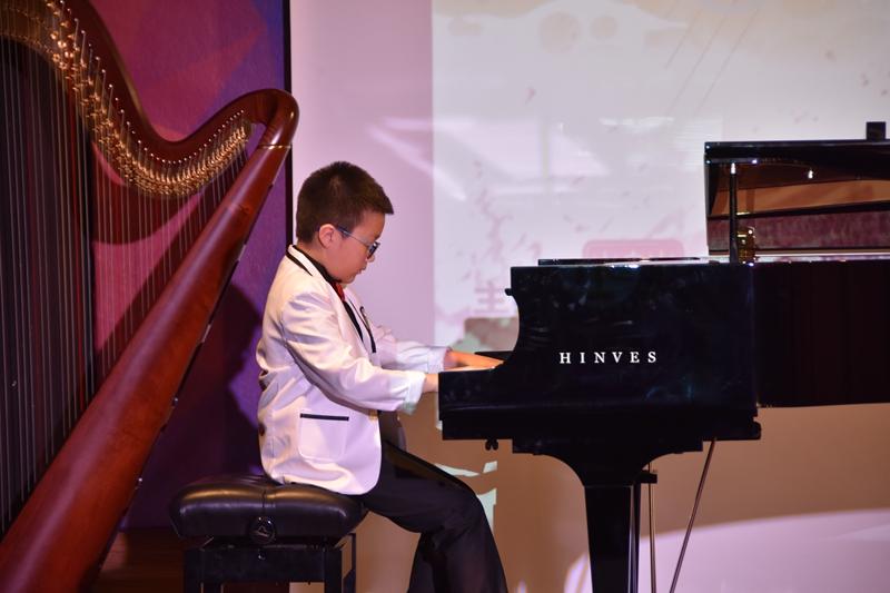 器乐组选手王炯凯