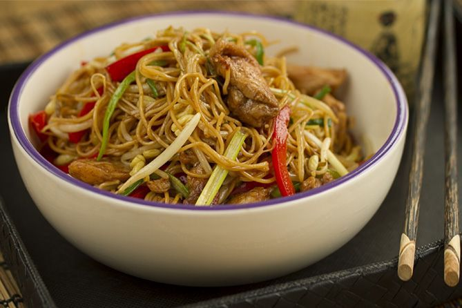 Chow-mein-Fideos-chinos-fritosFeat1